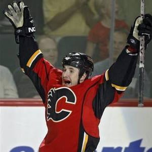curtis-glencross-calgary-flames-march2012