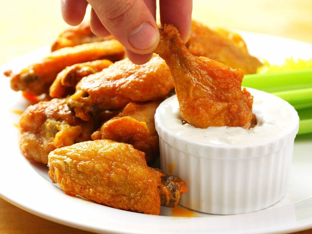 10 Easy Recipes to Feed Your Super Bowl Party | Sports Interaction ...